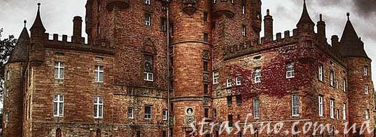 Призрак девушки в замке