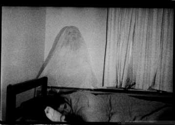 сидящий призрак
