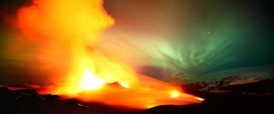 севреное сияние и вулкан