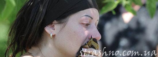 женщина в трауре