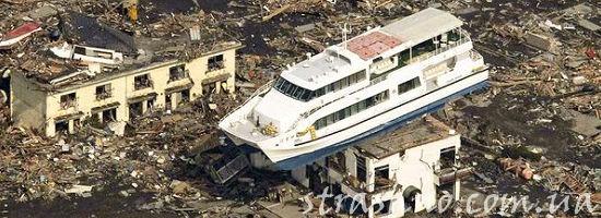 разрушения после цунами в Японии