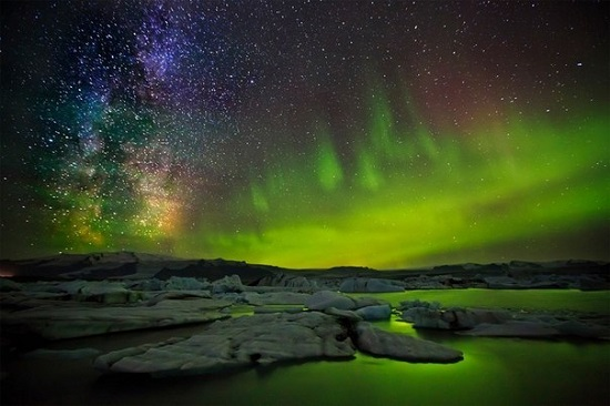 Полярное сияние и звёзды