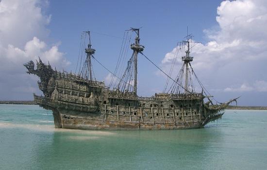 корабль-призрак Летучий Голландец