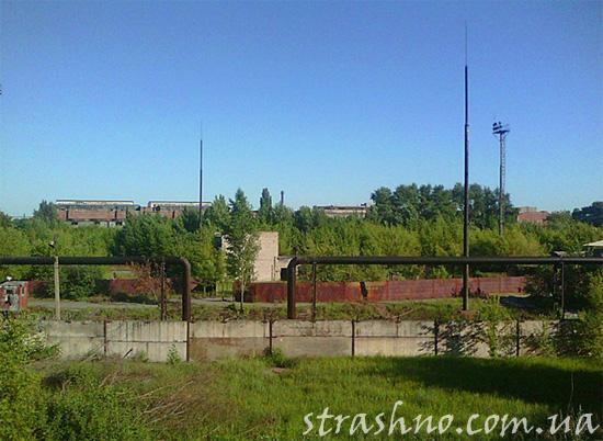 Заброшенная территория крупного металлургического завода