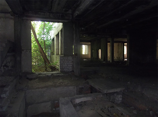 Мрачные развалины
