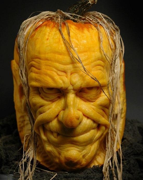 лицо из тыквы на Halloween