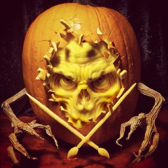 скелет из тыквы на Halloween