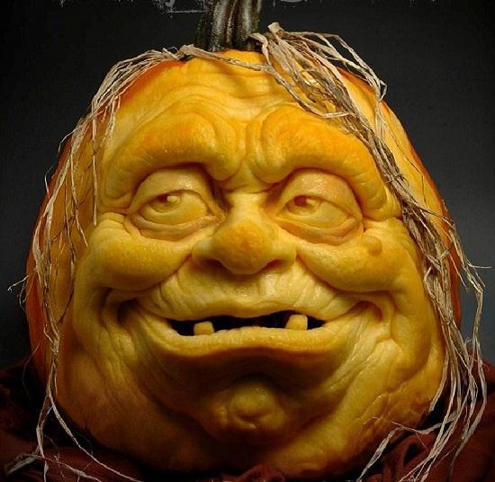 лицо из тыквы на хэллоуин