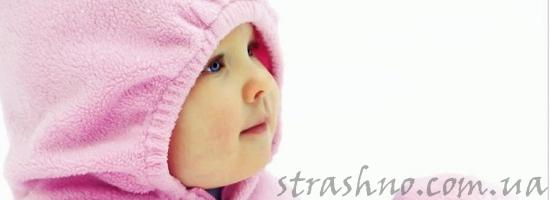 маленькая девочка в розовом