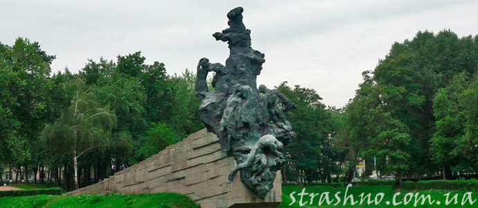 памятник жертвам расстрела