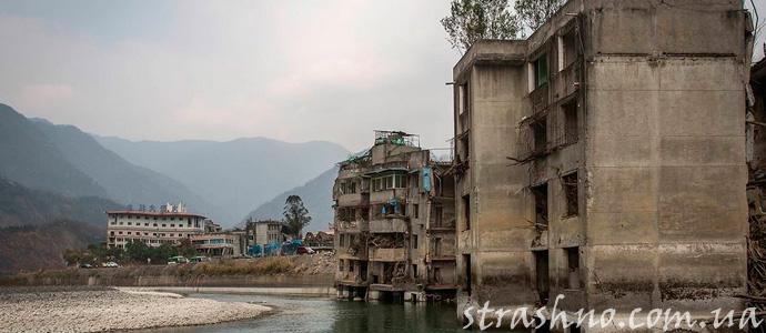 город-призрак после землетрясения