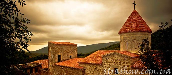 история о привидениях возле старого монастыря