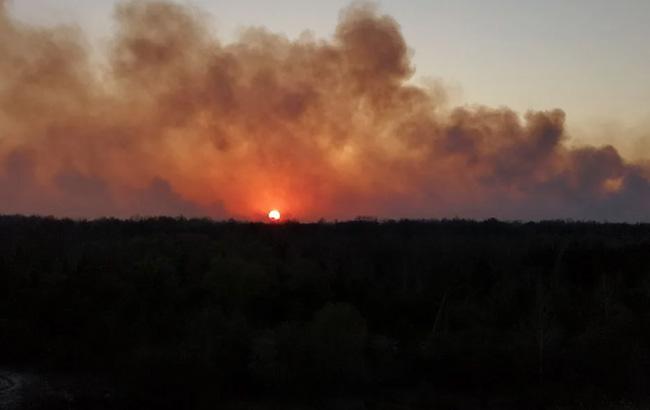 пожар возле ЧАЭС угрожает энергоблокам