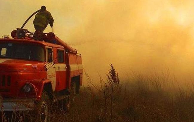 пожарник в дыму