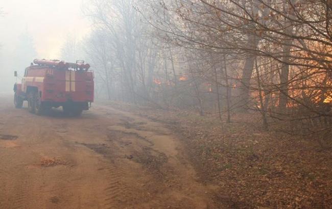 пожарная машина и огонь