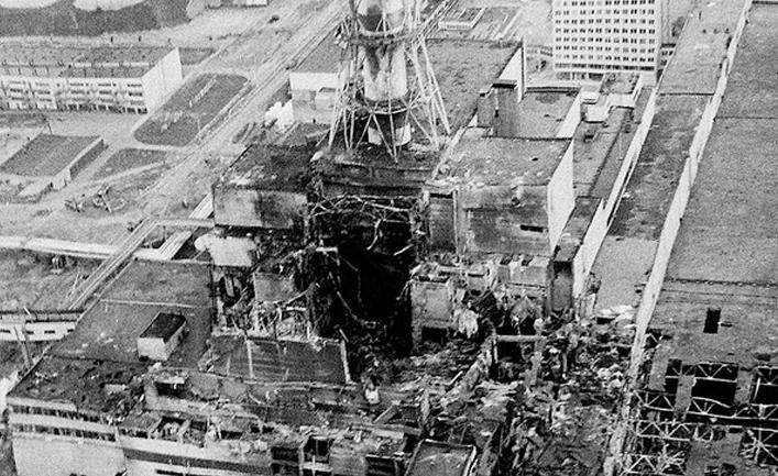 энергоблок ЧАЭС после взрыва