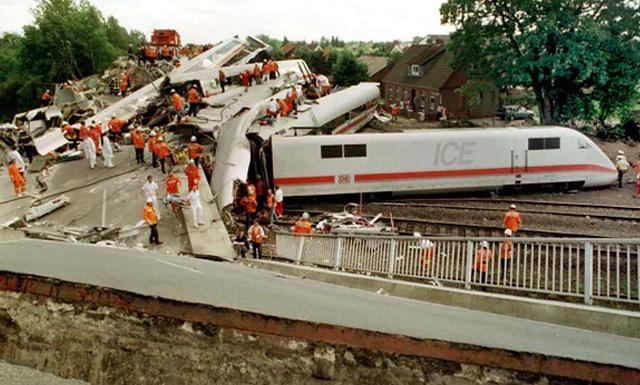 железнодорожное крушение