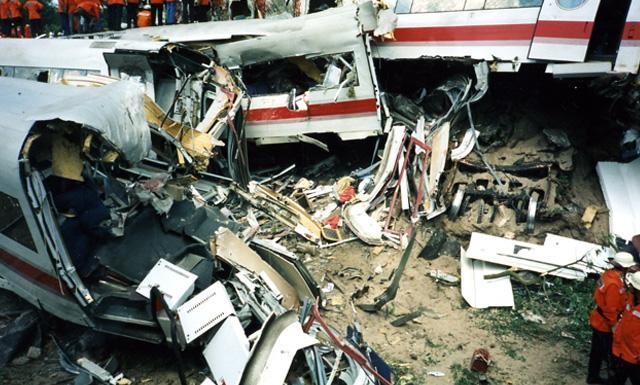 крушение поезда в Эшеде
