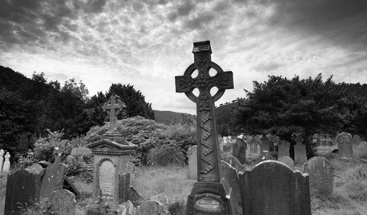 Кладбище с вампиром в Ивано-Франковске