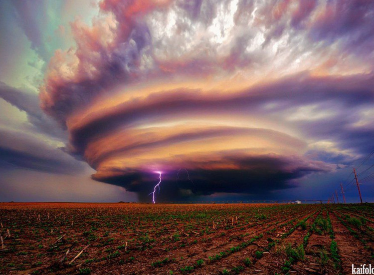 яркое и страшное облако